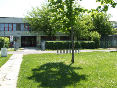 Scuola Dozza - Via De Carolis 23 40133 Bologna